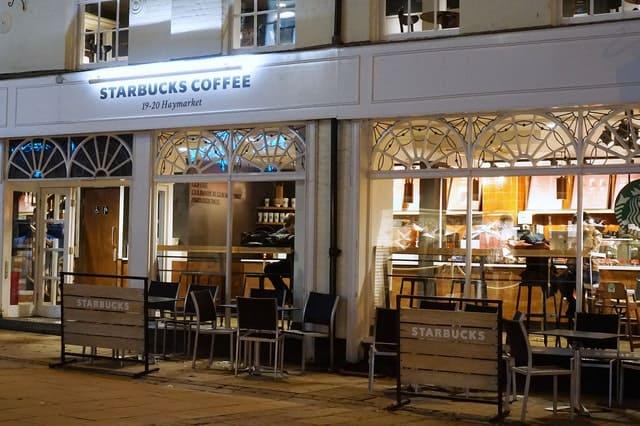 White Starbucks Coffee Building 3352765 - Auster Inteligência Contábil